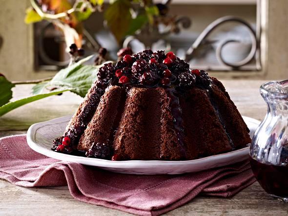 Englischer Schokoladenpudding mit Waldbeerensirup Rezept