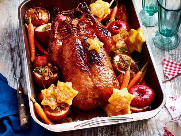 Ente & Bratäpfel zu Süßkartoffelgnocchi und Rosenkohl Rezept