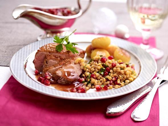 Entenbrust mit Miniknödeln und Granatapfelsoße Rezept