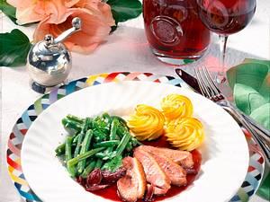 Entenbrust mit Rotweinbutter und Herzoginkartoffeln Rezept