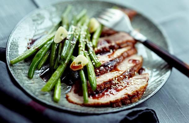Entenbrust mit Teriyaki-Soße und Sesambohnen Rezept