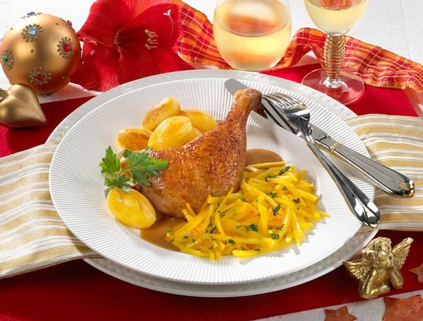 Entenkeulen mit Steckrübengemüse und Röstkartoffeln Rezept