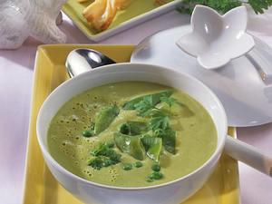 Erbsen-Cremesuppe mit Blätterteig-Grissini Rezept