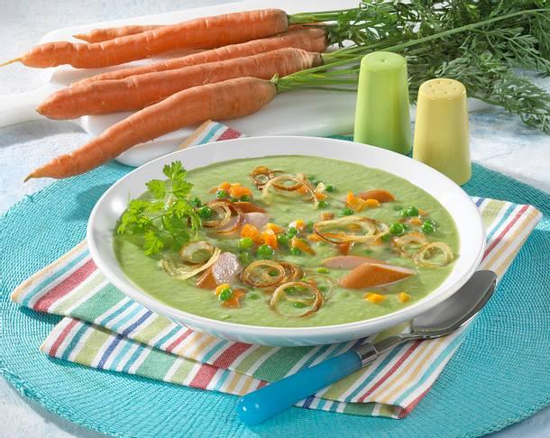 Erbsencreme-Suppe mit Würstchen Rezept