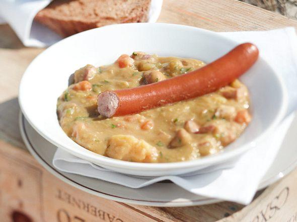Erbsensuppe mit Wienerle Rezept