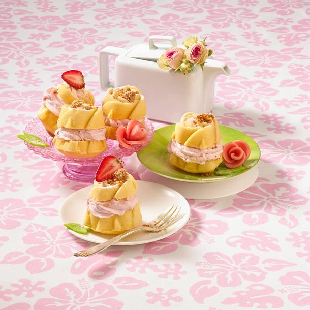 Erdbeer-Amaretti-Muffins (mit Amarettini verziert) Rezept