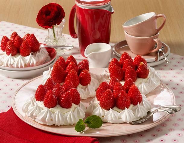 Erdbeer-Baiser-Törtchen Rezept