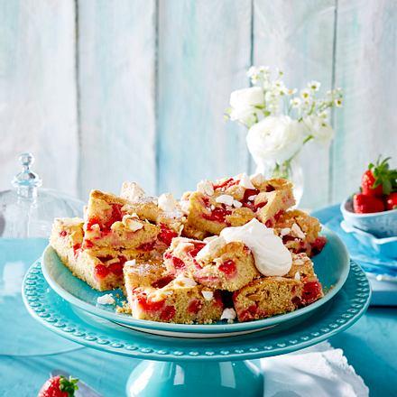 Erdbeer-Baiserkuchen vom Blech Rezept