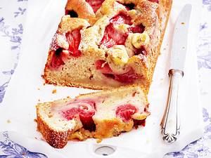 Erdbeer-Bananenbrot mit Macadamia-Schmand Rezept