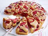 Erdbeer-Bauerntorte mit Pinienkernen Rezept
