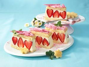 Erdbeer-Biskuitschnitten Rezept