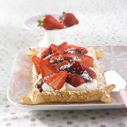 Erdbeer-Blätterteig-Streifen Rezept