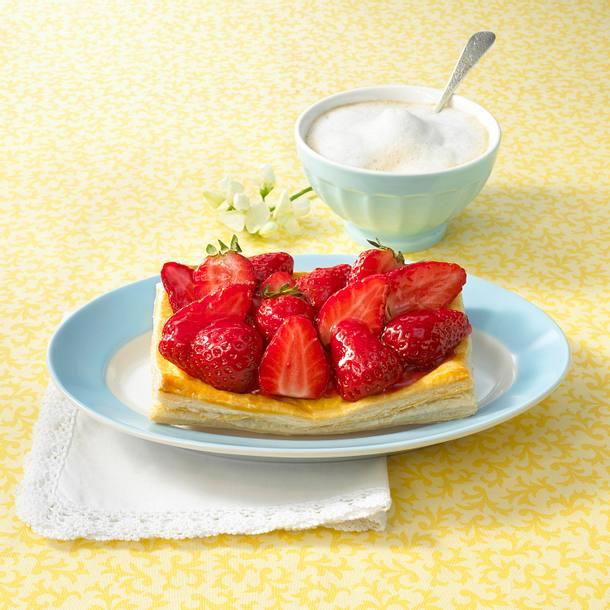 Erdbeer-Blätterteig-Törtchen Rezept