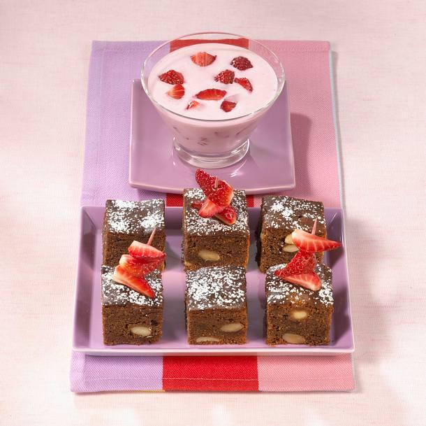 Erdbeer-Brownies mit Buttermilchquark Rezept