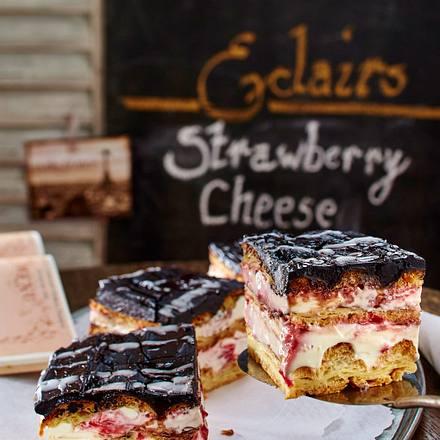 Erdbeer-Eclair-Petits-Fours Rezept