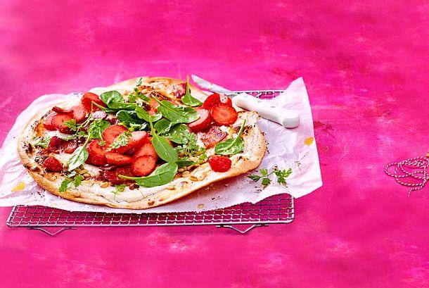 Erdbeer-Flammkuchen mit Bacon Rezept