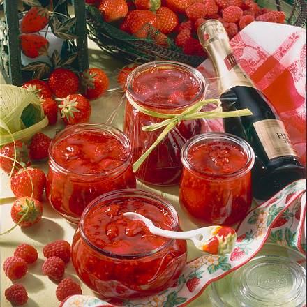 Erdbeer-Himbeer-Sekt-Konfitüre Rezept