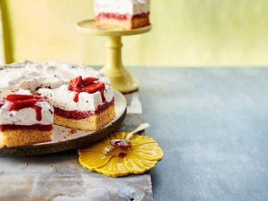 """Erdbeer-Joghurt-Torte """"Stracciatella"""" Rezept"""