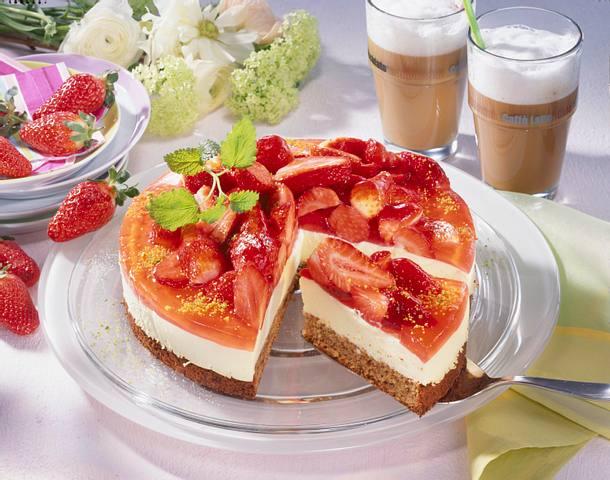 Erdbeer-Kuppeltorte Rezept