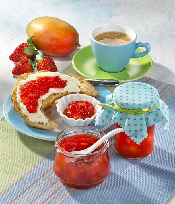 erdbeer mango marmelade mit ingwer rezept lecker. Black Bedroom Furniture Sets. Home Design Ideas