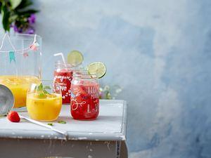 Erdbeer Margarita Punch und Erdbeer-Hibiscus-Spritz-Bowle Rezept