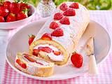 Erdbeer-Mascarpone-Biskuitrolle Rezept