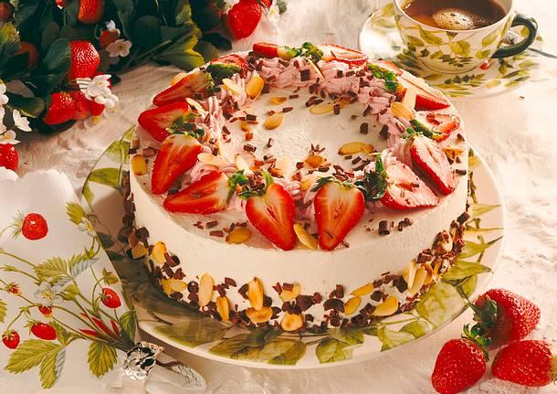 erdbeer mascarpone torte rezept chefkoch rezepte auf kochen backen und schnelle. Black Bedroom Furniture Sets. Home Design Ideas