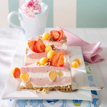 Erdbeer-Melonen-Torte mit zweierlei Cremes Rezept
