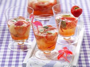 Erdbeer-Mojito-Bowle Rezept
