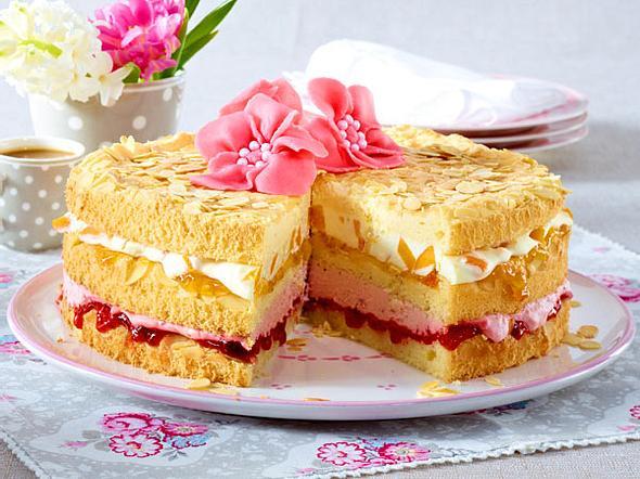 Erdbeer-Pfirsichtorte zu Ostern Rezept