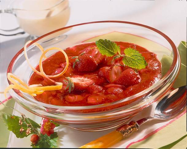 Erdbeer-Rhabarber-Grütze mit Vanille-Sahnesoße Rezept