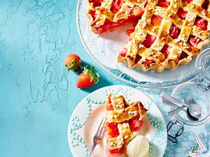 Erdbeer-Rhabarber-Tarte Linzer-Art Rezept