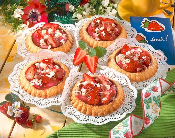 Erdbeer-Rhabarber-Törtchen Rezept