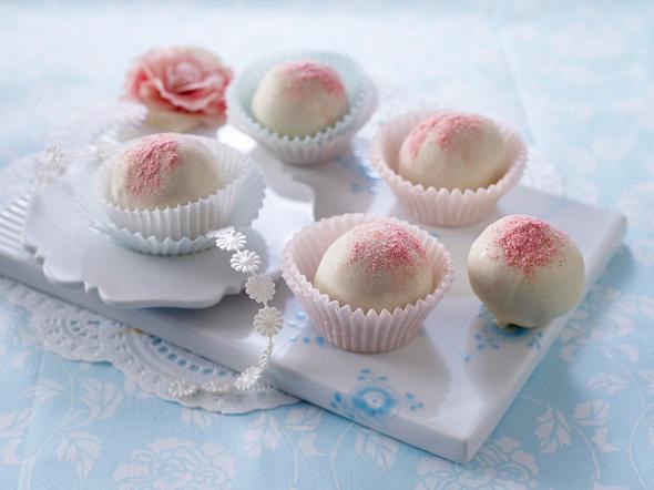 Erdbeer-Rumkugeln Rezept