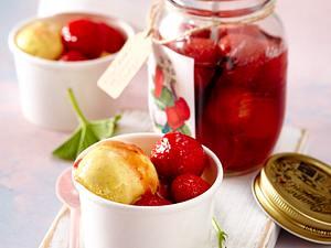 Erdbeer-Rumtopf Rezept