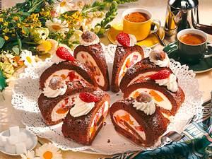 Erdbeer-Tiramisu-Biskuitrolle Rezept