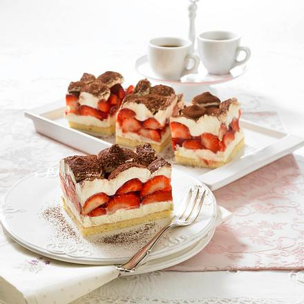 Erdbeer-Tiramisu-Schnitten Rezept