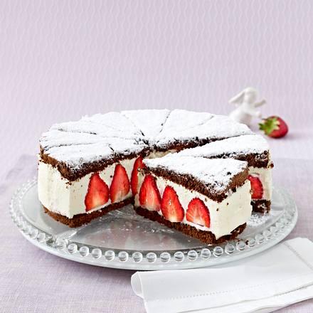 Erdbeer-Torte mit Schokobiskuit Rezept