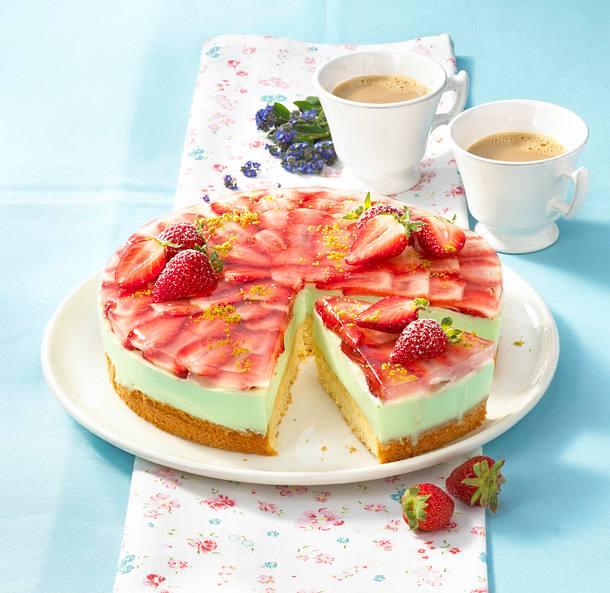 Erdbeer-Waldmeisterkuchen Rezept