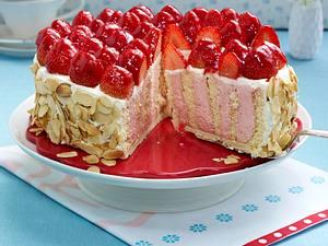 Erdbeer-Wickeltorte mit Prosecco Rezept
