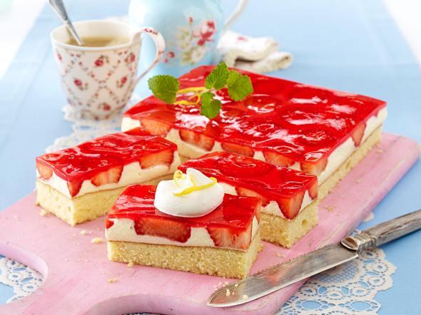 Erdbeer-Zitronenkuchen mit Vanillepudding Rezept