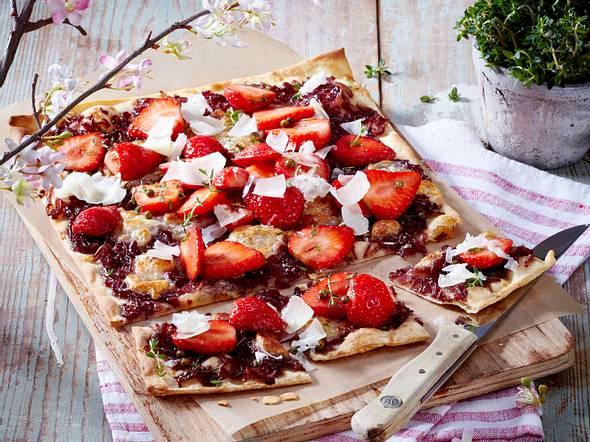 Erdbeer-Zwiebel-Flammkuchen Rezept