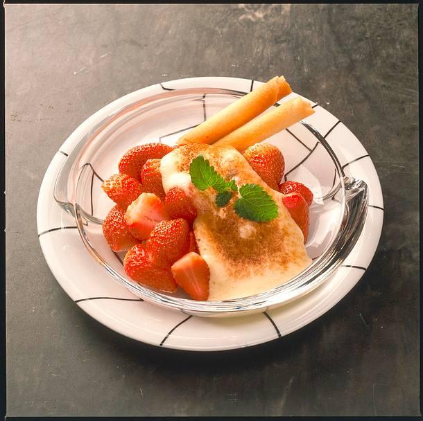 Erdbeeren mit Amarettozabaione Rezept