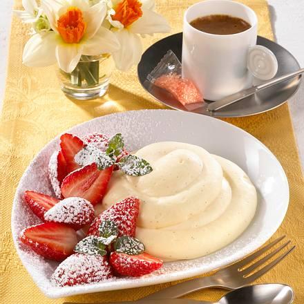 Erdbeeren mit Eierlikör-Creme  Rezept