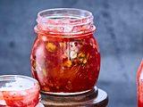 Erdbeeraufstrich mit Pistazien und Aprikosen Rezept