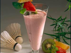 Erdbeershake mit Fruchtspieß Rezept