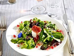 Erdesbacher Ziegenkäse mit Feigen-Marmelade und Wildkräutersalat Rezept