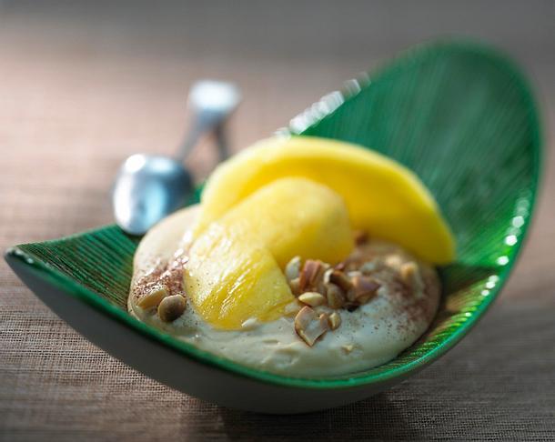 Erdnuss-Karamell-Creme mit Mango Rezept