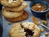 Erdnussbutter-Cookies mit salzigen Erdnüssen und Schokokern Rezept