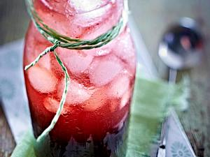 Exotische Drinks: Kirschsaft mit Sternanis, Szechuan-Pfeffer und Balsamico Rezept